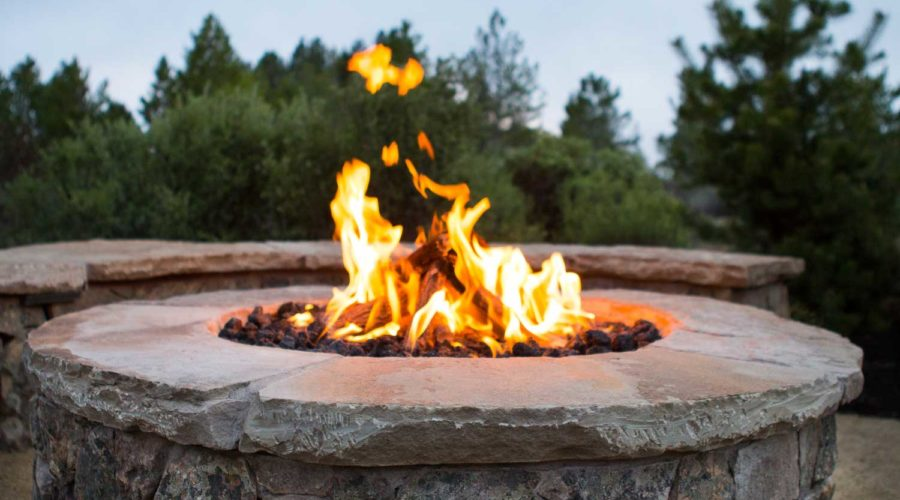 century-drive-bend-oregon-fire-pit-close-up